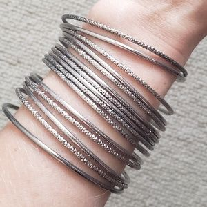 Jewelry - Silver bracelet bangle set
